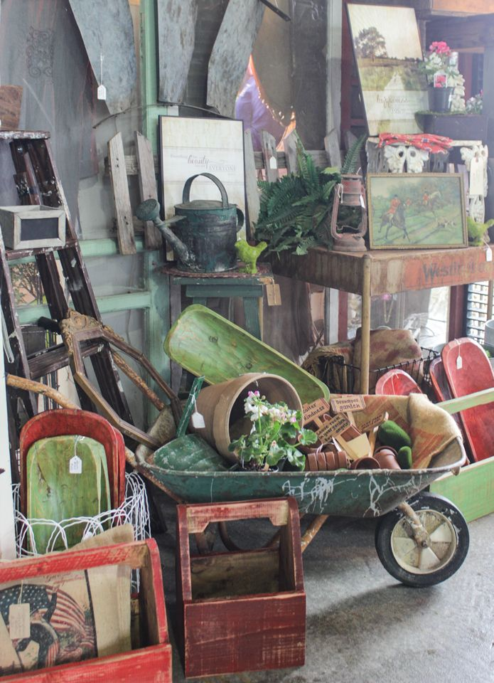 Spring Vintage Market Days - Vignettes & Collections