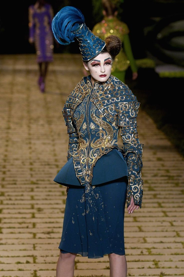 1000 images about john galliano for cd f w 2006 haute for Couture vs haute couture