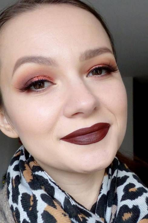 Makeup with Huda beauty products ! Rose gold edition palette + Vixen on lips