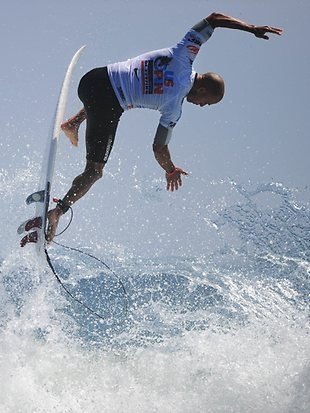 Kelly Slater claims his 11th world title