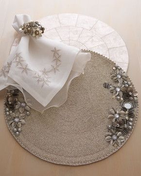 Kim Seybert ANTIQUE FLOWER PLACEMAT S/4 traditional table linens