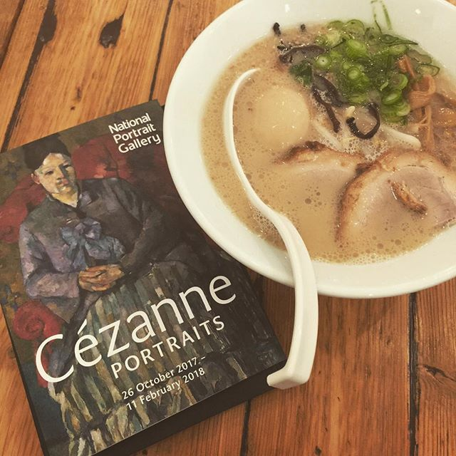 Cézanne and ramen noodles the perfect combination for a rainy Sunday. Paul Cézanne treated portrait painting like still life he required the sitter to be absolutely still to enable him to achieve the empirical truth in painting. Once he asked one of his sitters: You must sit like an apple! Does an apple move? #CézannePortraits closing soon. On until 11 February 2018. #impressionists  #sundayfunday #exhibitionlondon #provence