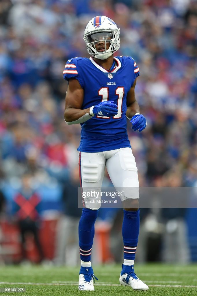 7312d368 Wide receiver Zay Jones of the Buffalo Bills in action in the first ...