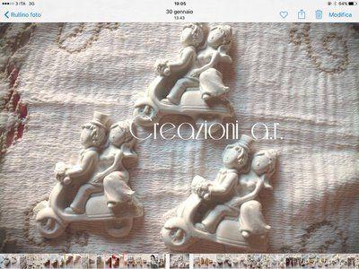 sposini in vespa in gesso ceramico #segnaposto #matrimonio #matrimonio2017