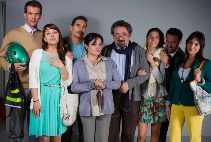 ¿Ya conoces a los personajes que rodearán la vida de Macarena?  Cada uno de ellos tiene una historia muy particular