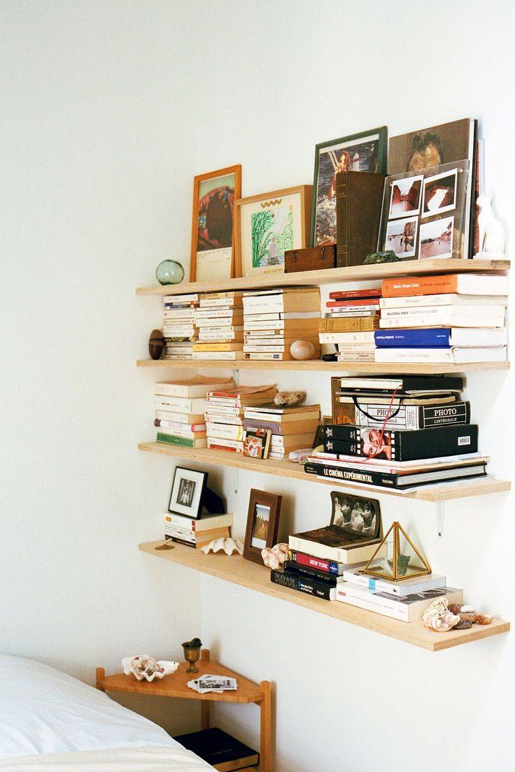 best inspiration bookshelves images on pinterest bookshelves