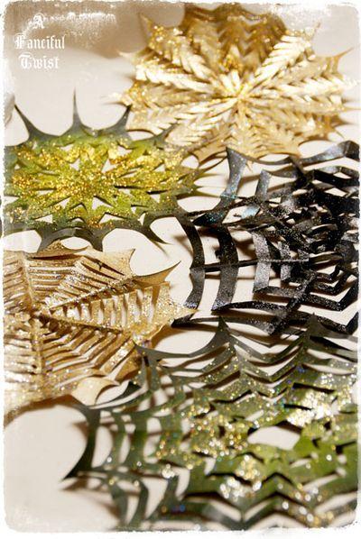 Wickedly Wonderful Paper Spider Webs {2 great Tutorials}