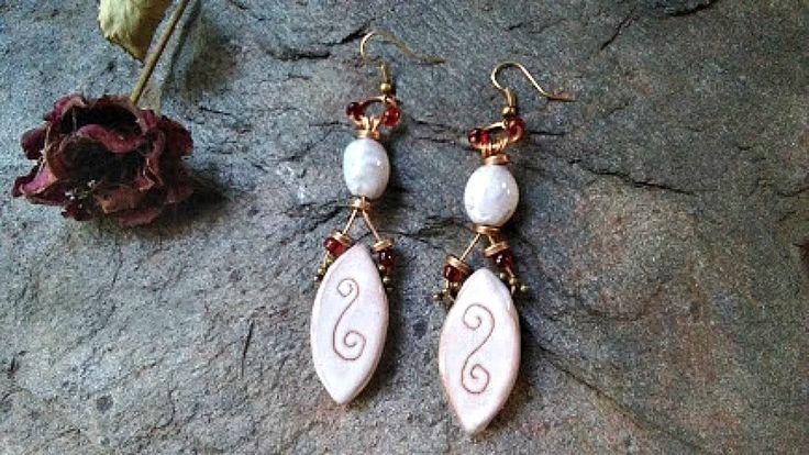 Boucles d'oreilles ovales pendantes Blanc rustique méditerranéen, Boucles d'oreilles Boho, Boucles Cuivre céramique, Bijoux ovales, by itssomimi2 on Etsy
