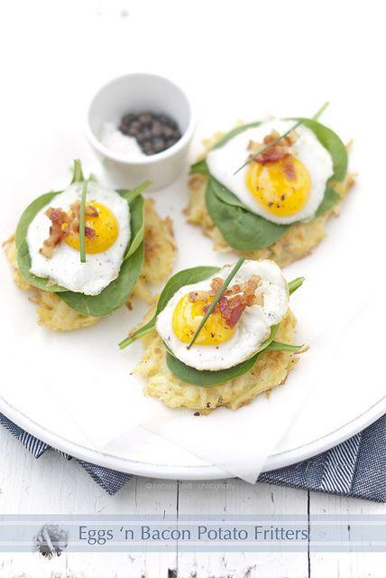 eggs and bacon potato fritters // Frittelle di patate con uova di quaglia, bacon e spinacino