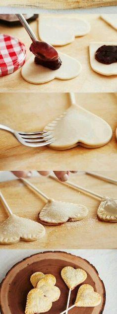 A faire soi-même : pop cake en forme de cœur avec de la confiture