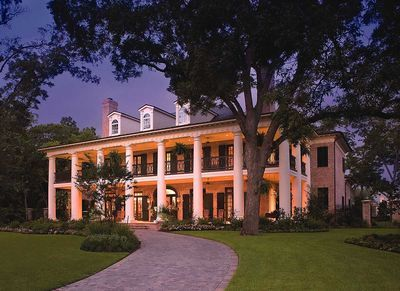 Your Very Own Southern Plantation Home - 42156DB thumb - 02