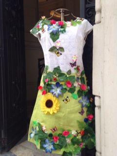 Maniquí primavera en Tienda Ají, Diseño Imprescindible.