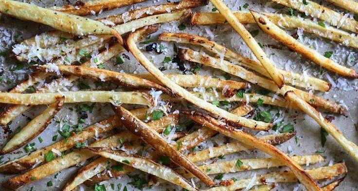 Knoflook parmezaan frietjes uit de oven
