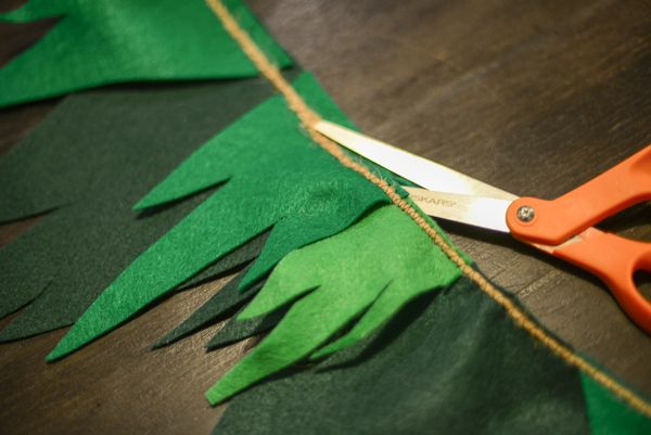 How to Make Peter Pan Bunting | TikkiDo.com