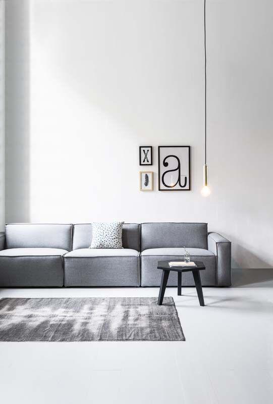 KARWEI | Door een vloerkleed in hetzelfde kleurenpalet als je bank te kiezen creëer je een fijne zithoek met eenheid en balans.