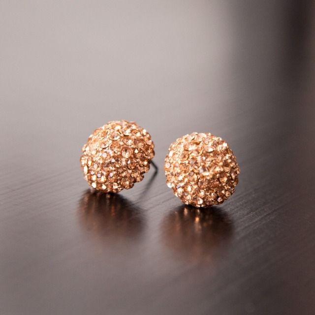 Everyday rose gold earrings