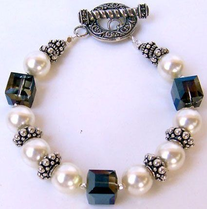 handmade beaded jewelry | Custom Made Bracelets | Handcrafted Beaded Bracelets