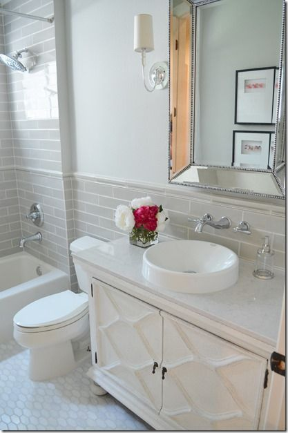 Before After A Classic Small Bath Update Bathrooms
