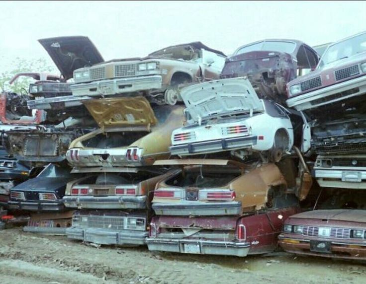 Some pretty valuable/salvageable Oldsmobiles Junk Yards