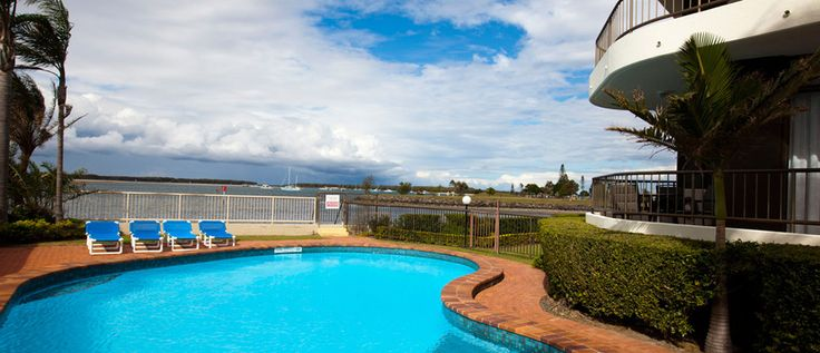 Broadwater Shores - Sparkling Swimming Pool - Gold Coast Broadwater Accommodation