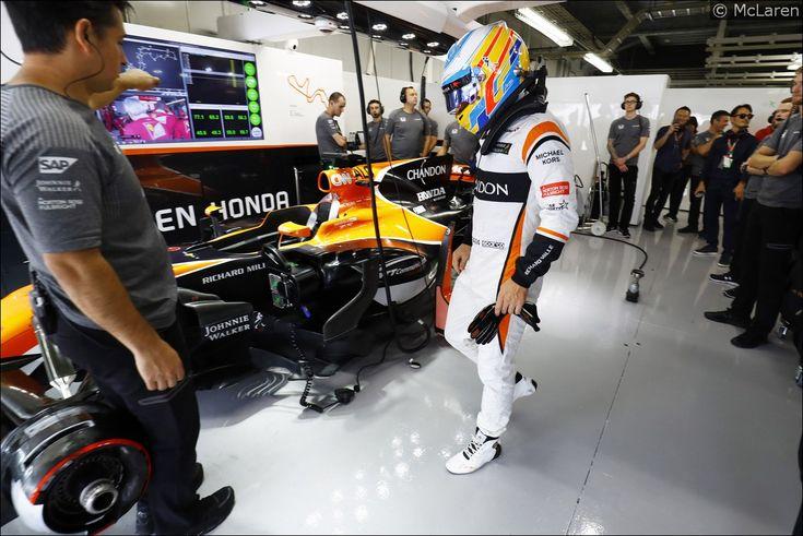 Alonso penalizzato per aver ignorato bandiere blu