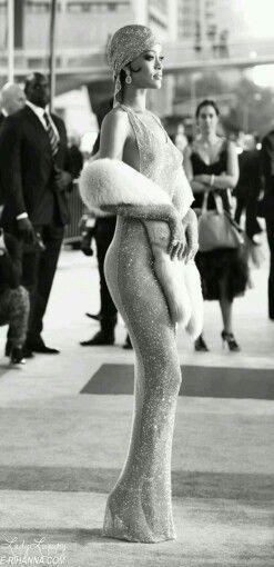 Swavorski Crystal Gown Rihanna 2014