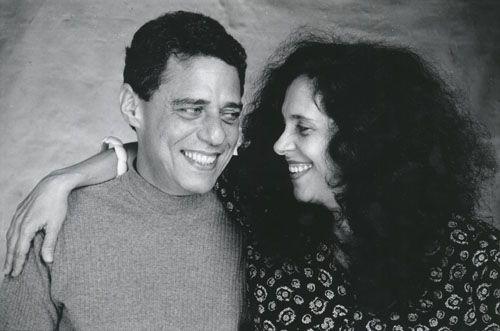 """Adriana Pittigliani Data:1993 Resumo:Chico Buarque e Gal Costa em um ensaio fotográfico de Adriana Pittigliani em 1993, à época do disco """"Paratodos"""""""