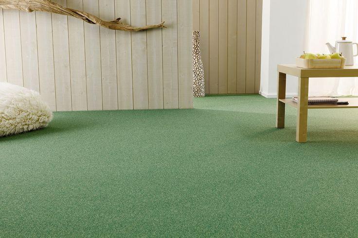 Van Heugten tapijttegels hebben een aantal bijzondere voordelen, waardoor je ze prima kunt schoonhouden. Veel mensen denken dat tapijttegels allergieën kunnen veroorzaken. Niets is minder waar. Veel van onze producten zijn juist antimicrobieel en helpen allergie te verminderen. Daarbij zijn ze comfortabel, slijtvast en met onze leginstructies voor elke doe-het-zelver makkelijk te leggen.