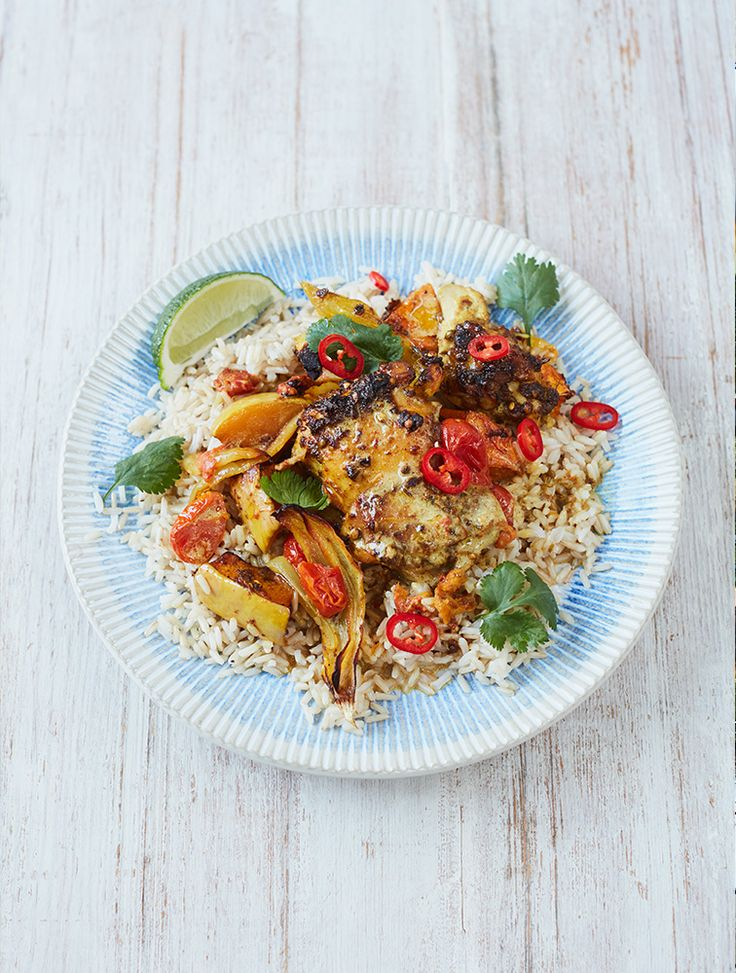 Looking for a super-simple Easter dish? Jamie Oliver shows us how with a knockout chicken curry. #JamieOliver #Easter #Chicken #Curry