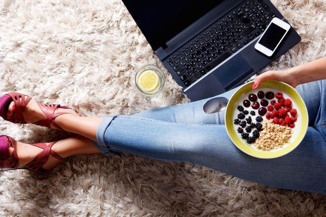 Najważniejsze informacje dotyczące diety owsianej - zasady, zalecenia, dla kogo, przeciwskazania i ile można schudnąć.