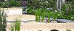 FENG SHUI GARTEN BILDER Feng Shui Gärten in Bilder zu präsentieren ist eigentlich nicht möglich, da der wesentliche Unterschied die Vitalität ist, die man nur spüren und nicht sehen. Aber man kann die bewusste Kombination von Yin und Yang Elementen anschauen und einen Eindruck davon bekommen, dass wirklich jeder Stil umsetzbar ist.