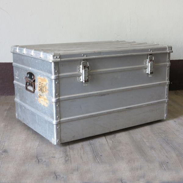 die besten 17 ideen zu aluminium koffer auf pinterest papier wolken kabelskulpturen und. Black Bedroom Furniture Sets. Home Design Ideas
