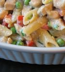 Mostaccioli with chicken, peas, and peppers