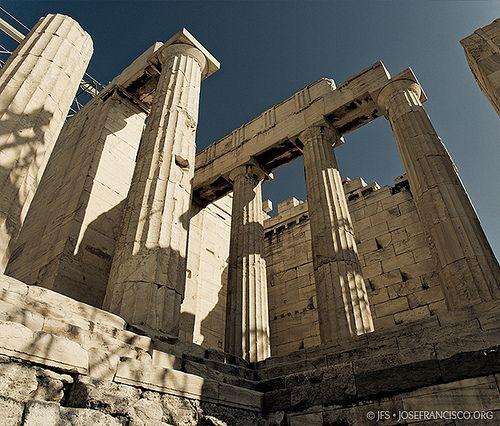 Nikon D80 + 18-135mm f/3.5-5.6G   Acropolis, Greece, 6 Oct 2007 © 2007 José Francisco Salgado, PhD