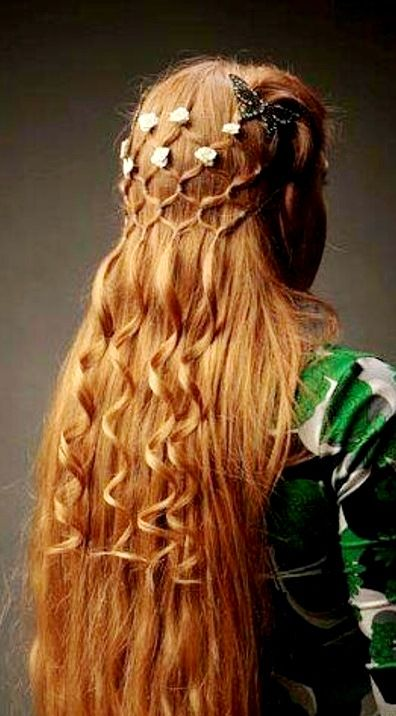 Renaissance inspired diamond basket braid long down hairstyle accented with flowers bridal hair ideas Toni Kami ⊱✿⊰Flowers in her hair⊱✿⊰ ginger