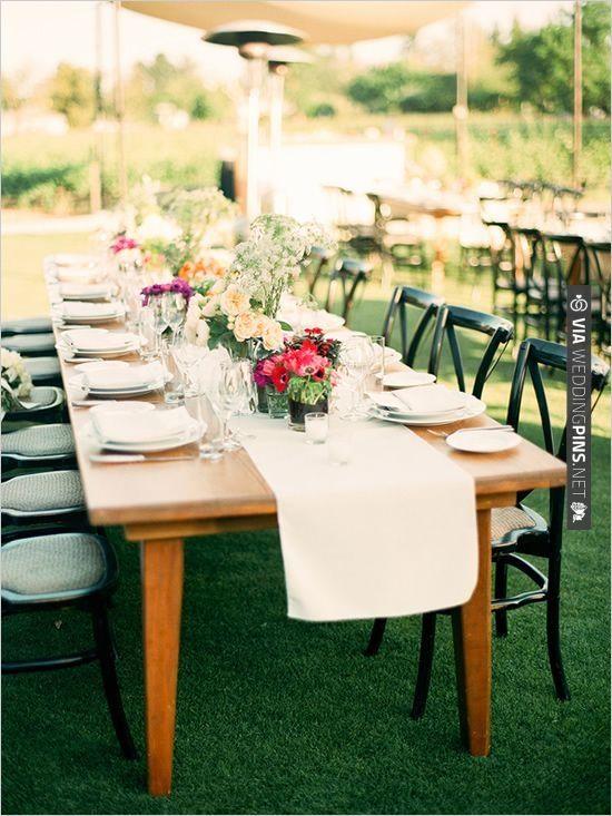 family style seating | VIA #WEDDINGPINS.NET