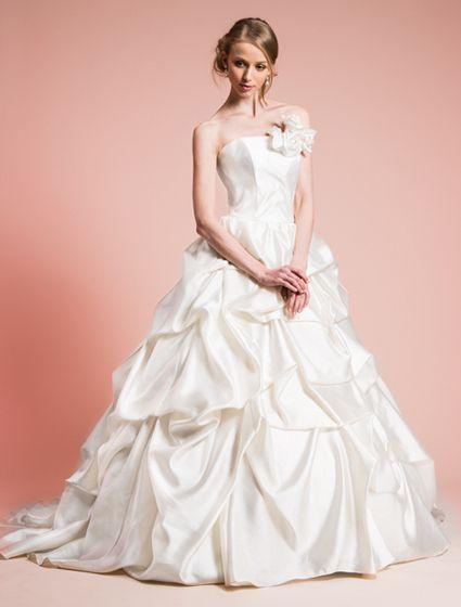 ウエディングドレス、高品質な結婚式ドレスならW by Watabe Wedding / Avica