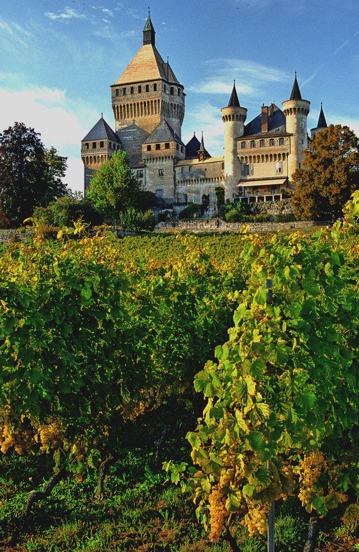 Schloss Vufflens (französisch Château de Vufflen…