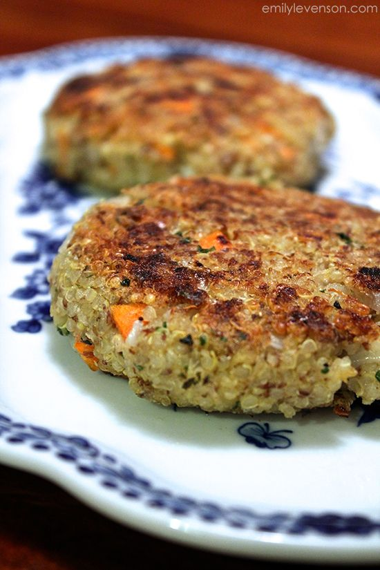 Quinoa Patties - loaded with protein (and flavor) from chickpeas, flax, herbs, and fresh veggies. Terrific for D-Burn or Phase 3.