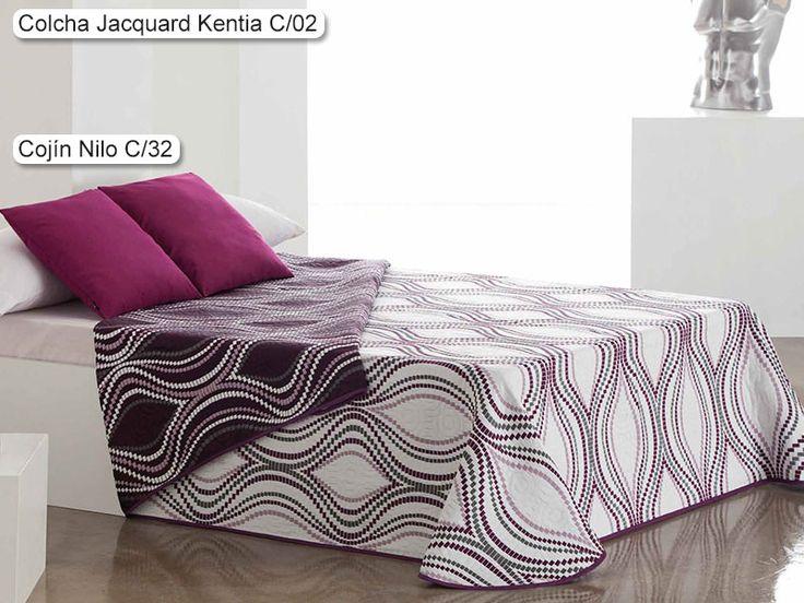 Colcha Jacquard Kentia Eysa, con un elegante diseño de estilo geométrico a base de formas sinuosas para formar una exquisita composición.