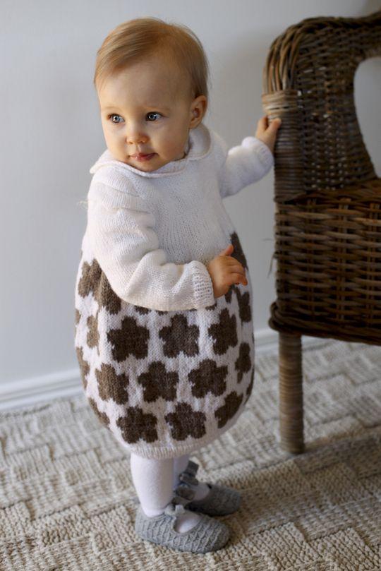 Vauvan virkattu ja neulottu mekko 60(70)80 cm Novita Nalle | Novita knits