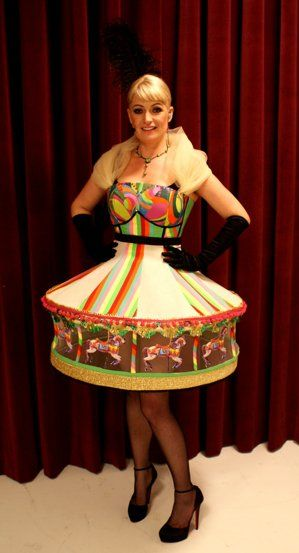 Camilla Jane Lea i Ecoutures carousel dress - P3Guld