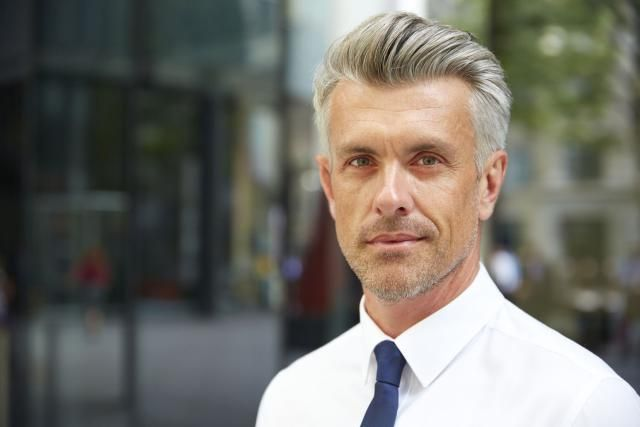 Just because you are getting older, doesn't mean you can't look cool.  These are some great examples of cool haircuts for men over 50.