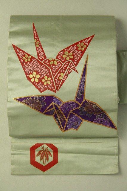 Gray nagoya obi / グレー地 折鶴と亀甲のお太鼓柄 名古屋帯   #Kimono #Japan  http://www.rakuten.co.jp/aiyama/