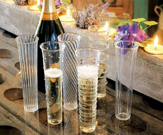 Venetian-Style Champagne Flutes - really pretty and different.