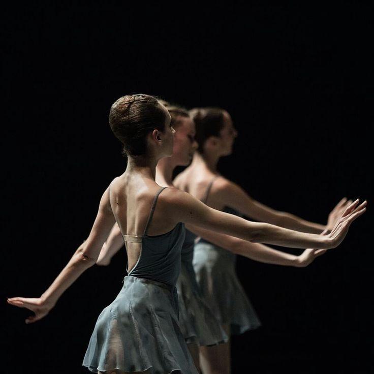ballerinaoftheopera:  Paris Opera Ballet dancers in Sehgal/ Pite/ Peck/ Forsythe premier