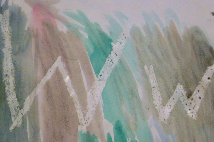 Make the letter W by writing with wax and painting over with watercolours; a simple technique with results that captivate the preschooler.
