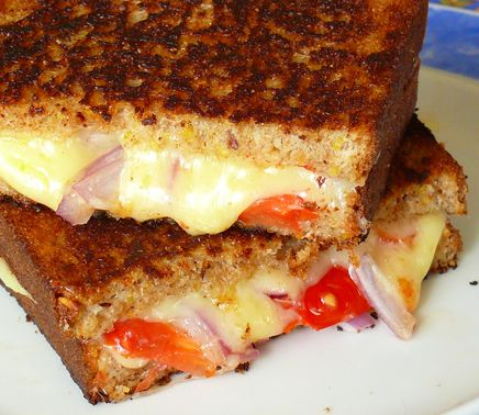 Panera Bread Restaurant Copycat Recipes: Grilled Cheese, Tomato and Onion Sandwich