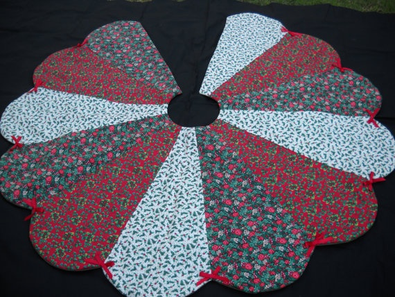 Christmas Tree Skirt Handmade Red Green White Holiday Print 57 Inches 4599 Via Etsy