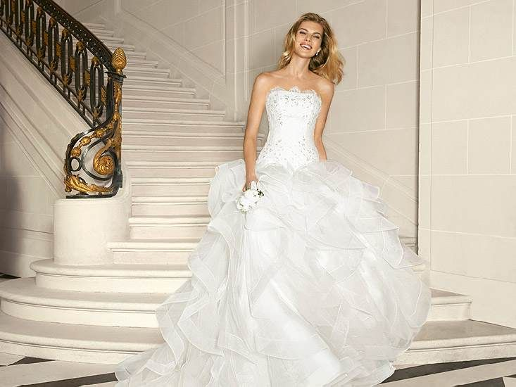 45 best Pronovias images on Pinterest | Short wedding gowns, Wedding ...